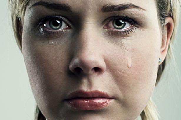 crying woman ile ilgili görsel sonucu