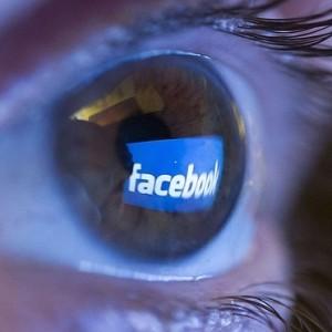 EyeFacebook